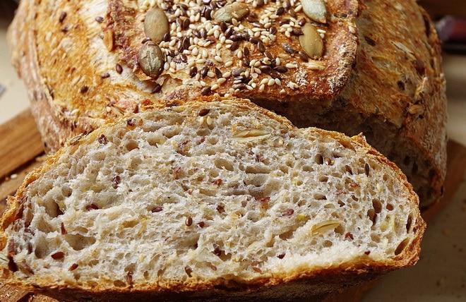 белый хлеб с льном